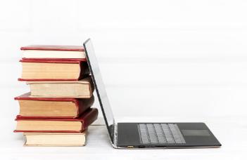 DiO – infografika a pedagógusok digitális oktatási tapasztalatairól