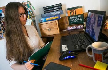 Pszichológushallgatók segítik a karanténban élő embereket