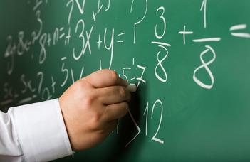 Matematikatanár-képzés Csehországban és Magyarországon