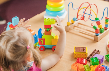 Parents' Beliefs About Play and the Purpose of Preschool Education, Preschoolers' Home Activity and Executive Functions